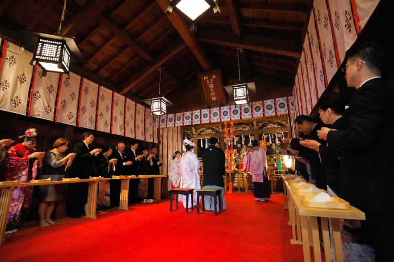 神社挙式:親族固めの盃