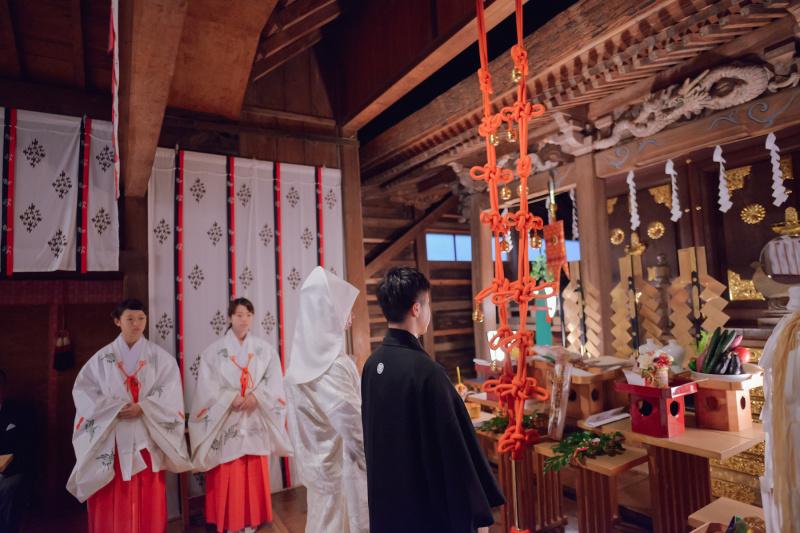 厳かな神社挙式