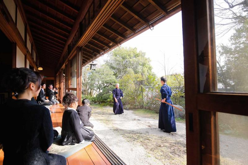 新郎様とお父様による 日本剣道形の演武をご披露