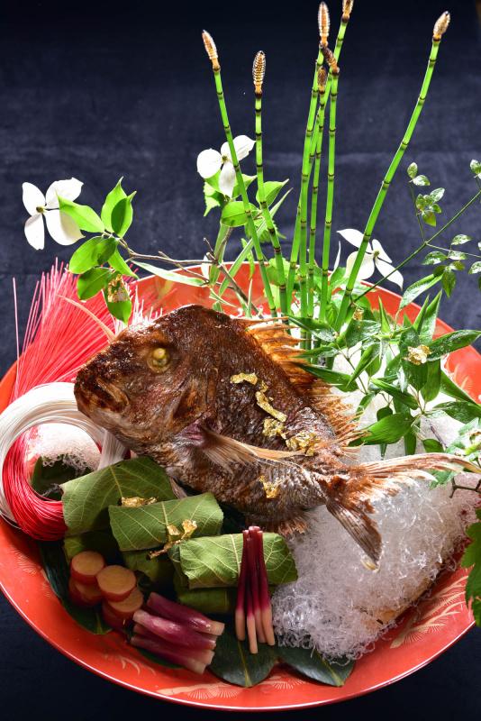 お祝い用焼き物 30,000円(税別)